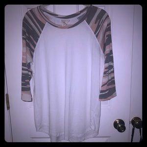 Xl White crow with camo ladies shirt